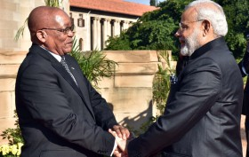 The Prime Minister, Shri Narendra Modi being received by the President of the Republic of South Africa, Mr. Jacob Zuma on his arrival, at Union Buildings, in Pretoria, South Africa on July 08, 2016.