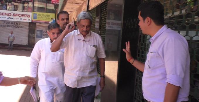 Manohar Parrikar Resigns as Defence Minister